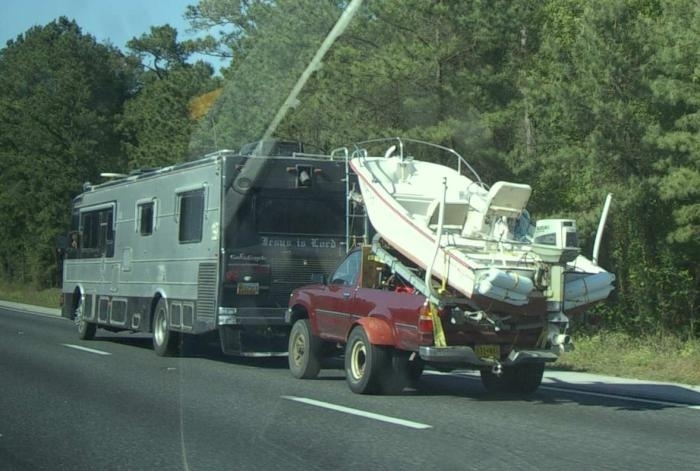 Click image for larger version  Name:040604_boat_in_tow.jpg Views:60 Size:137.8 KB ID:17039