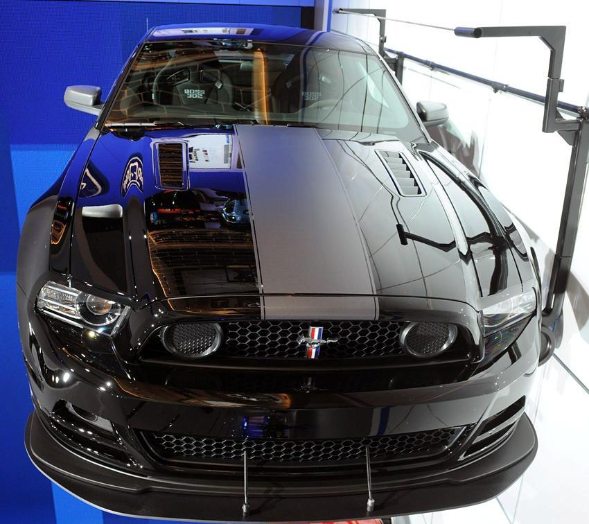 Click image for larger version  Name:101272d1329053602-my-shelby-gt500-front-2013-laguna-seca-black.jpeg Views:85 Size:117.0 KB ID:121156