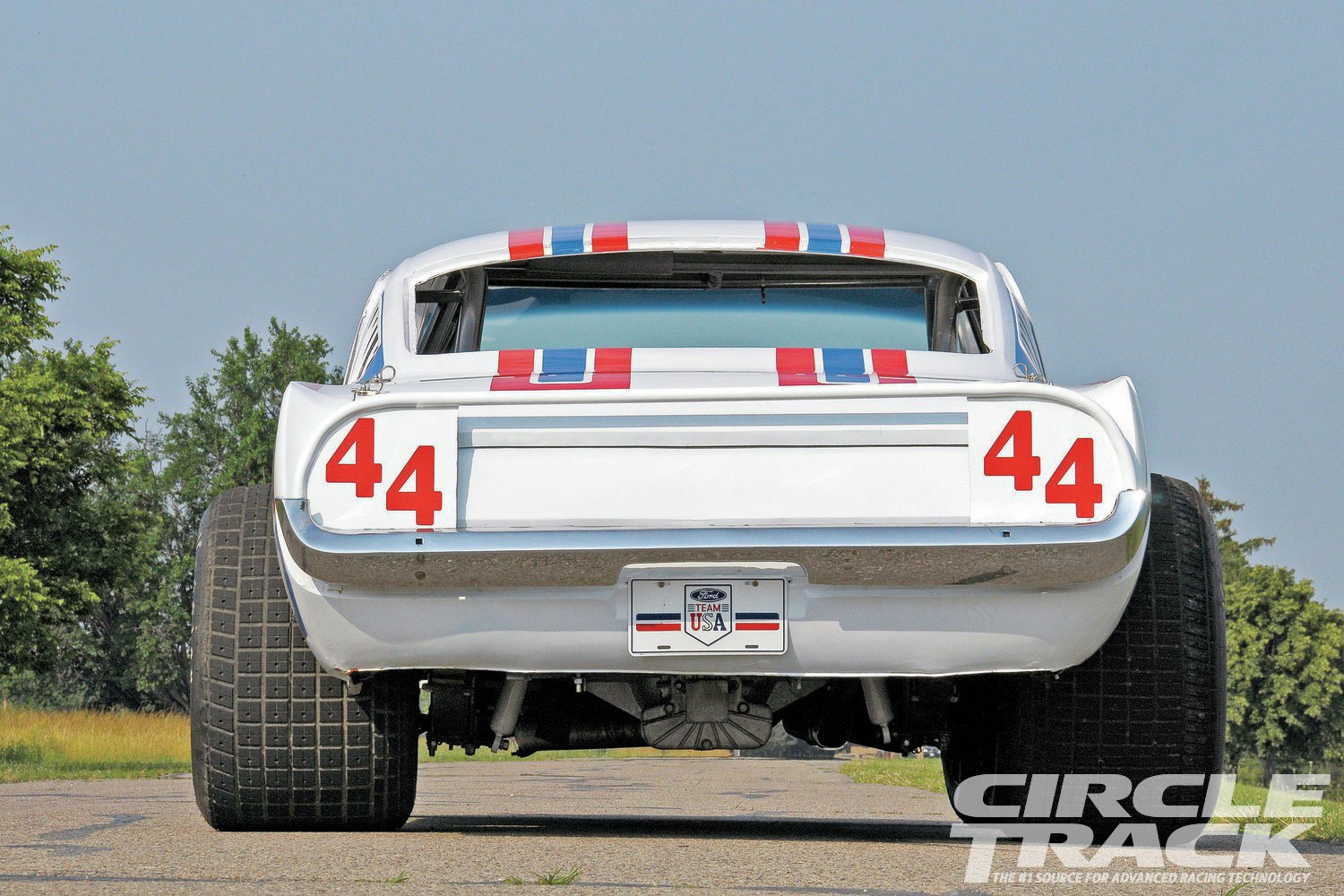 Click image for larger version  Name:1970-mustang-dirt-late-model-rear-end.jpg Views:107 Size:316.3 KB ID:151512
