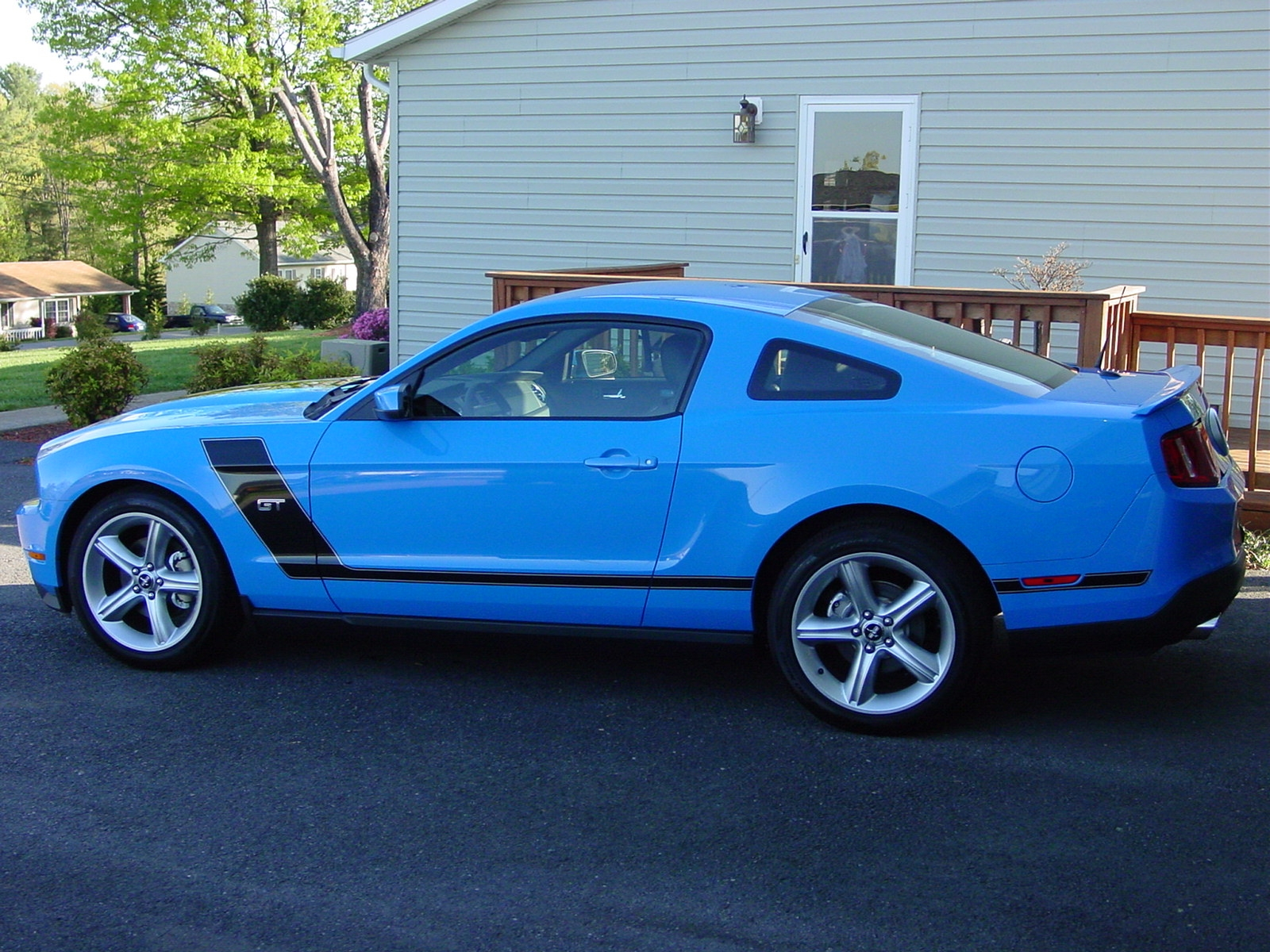 Click image for larger version  Name:2010 GT Mustang 007.JPG Views:1341 Size:1.16 MB ID:21697
