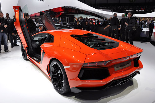 Click image for larger version  Name:2012-Lamborghini-Aventador-LP-700-4.jpg Views:82 Size:58.3 KB ID:34669