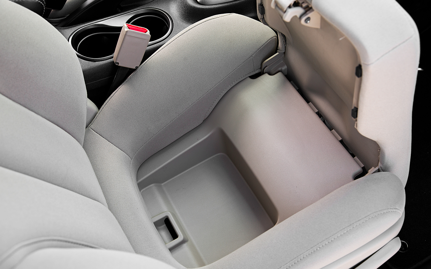 Click image for larger version  Name:2013-Dodge-Dart-Limited-seat-compartment.jpg Views:92 Size:981.1 KB ID:170054