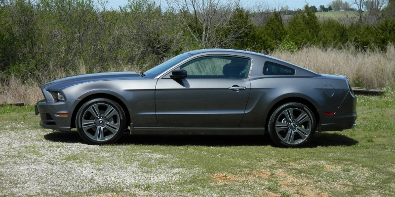 Click image for larger version  Name:2014MustangLeft (800x400).jpg Views:59 Size:272.0 KB ID:179091