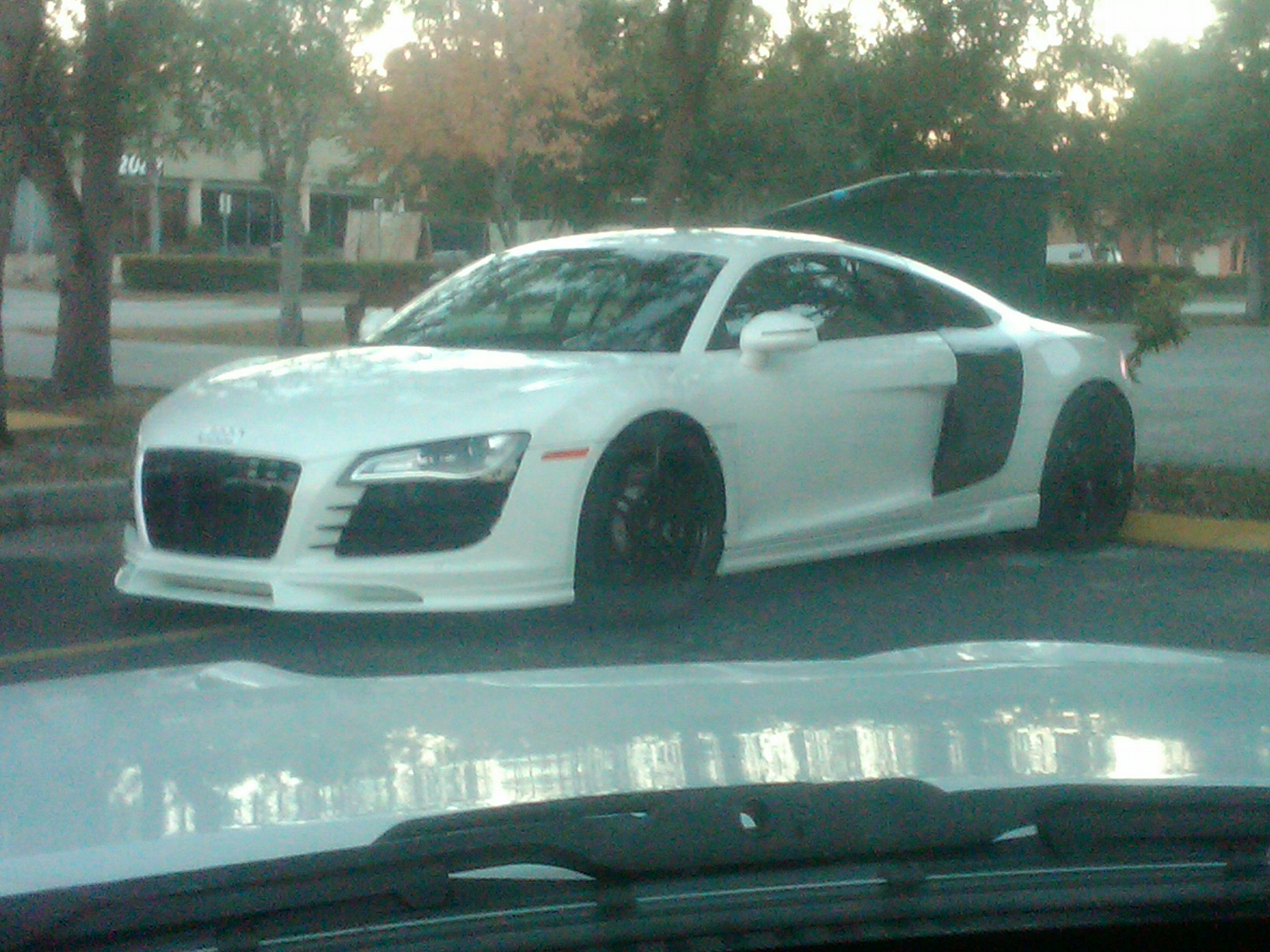 Click image for larger version  Name:Audi R8.jpg Views:97 Size:596.0 KB ID:148901
