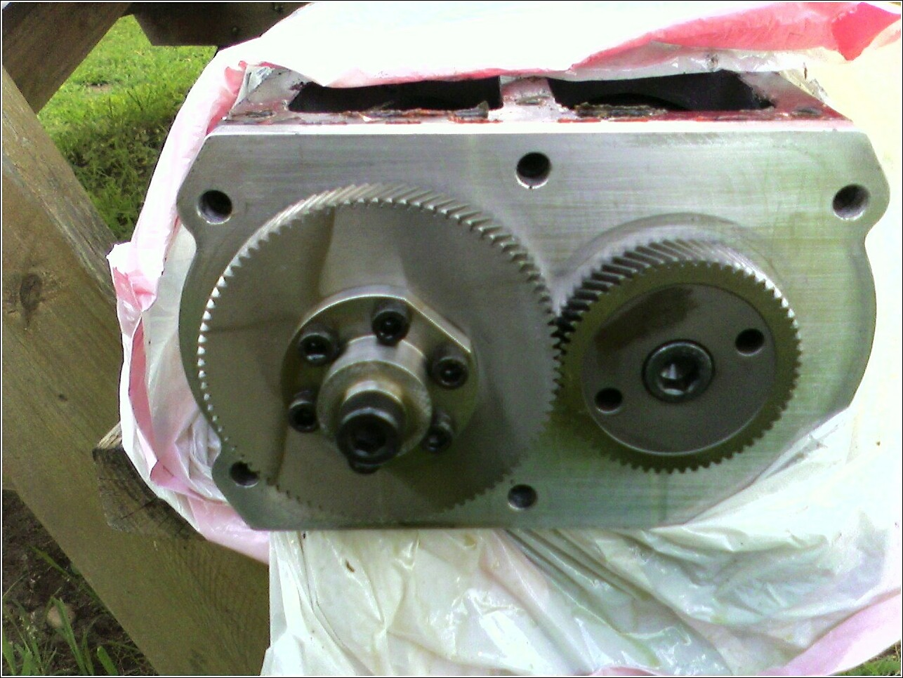 Click image for larger version  Name:blower gears.jpg Views:272 Size:286.3 KB ID:16917