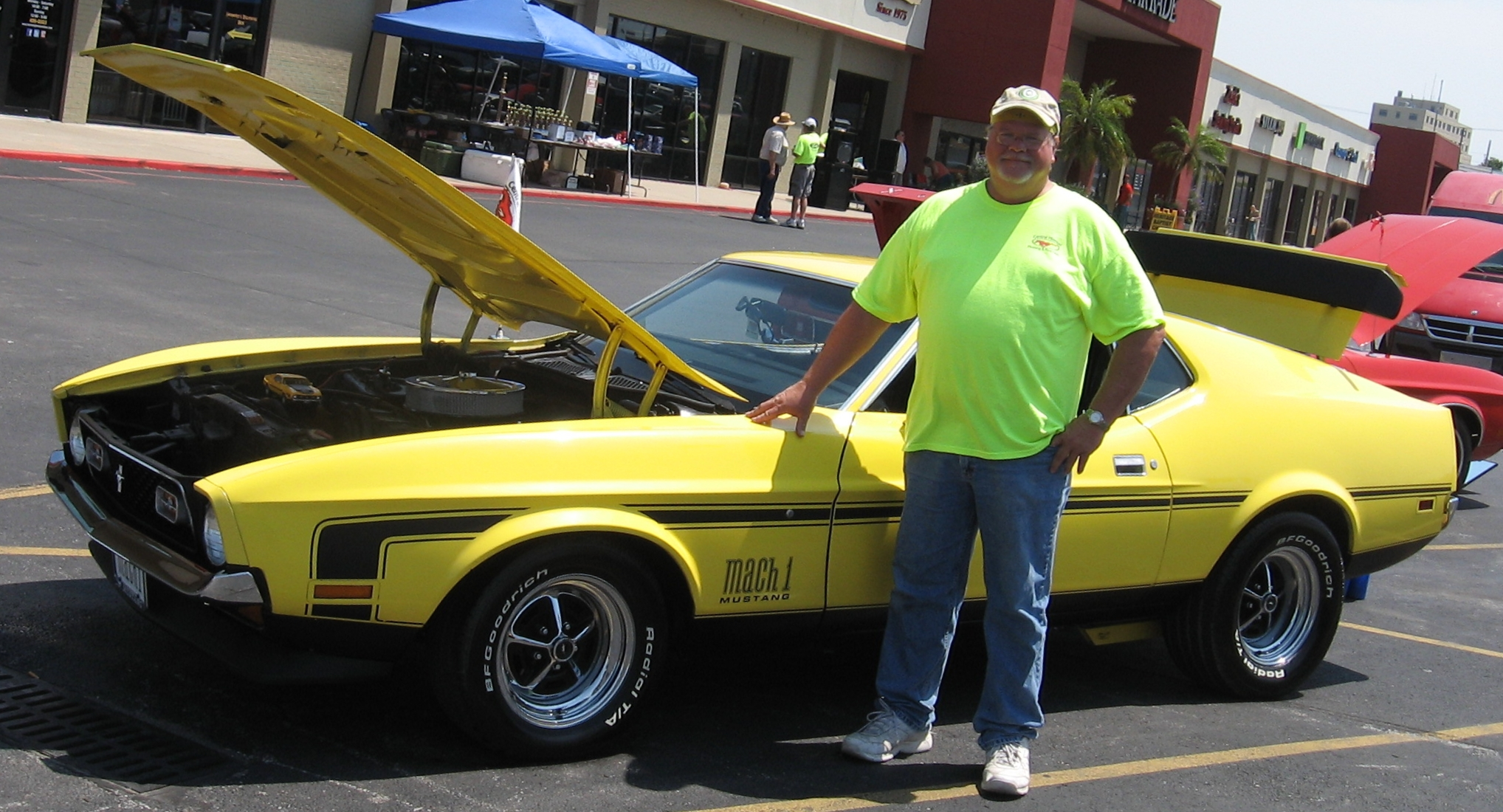 Click image for larger version  Name:Columbia Car Show 009.JPG Views:85 Size:1.32 MB ID:94261