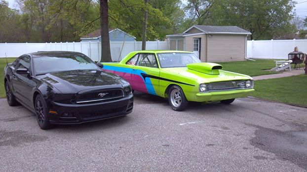 Click image for larger version  Name:Dart&Stang.jpg Views:109 Size:48.4 KB ID:158000