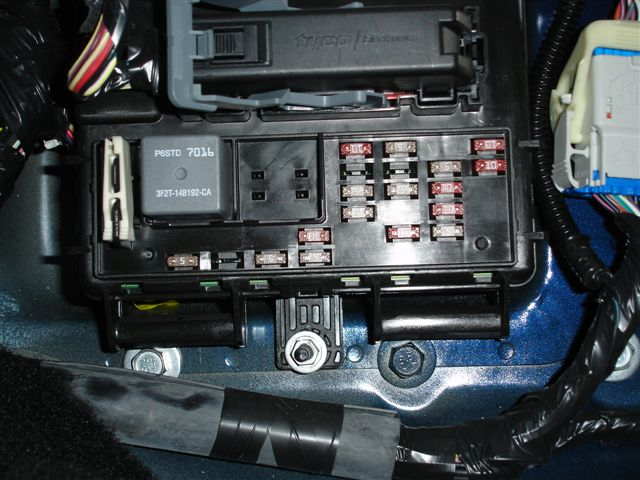 2008 ford mustang fuse box location wiring diagram database 05 mustang fuse 47 box diagram 2005 mustang fuse box location wiring diagram 2007 mustang fuse box 2008 ford mustang fuse box location