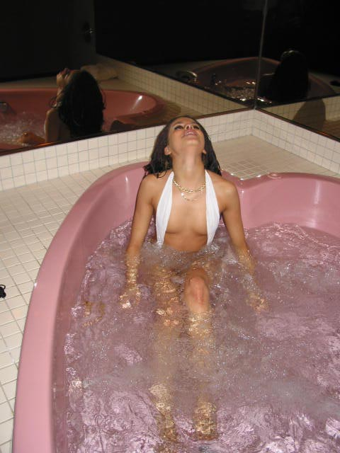 Click image for larger version  Name:Hot Tub.__0005.jpg Views:279 Size:48.3 KB ID:12745