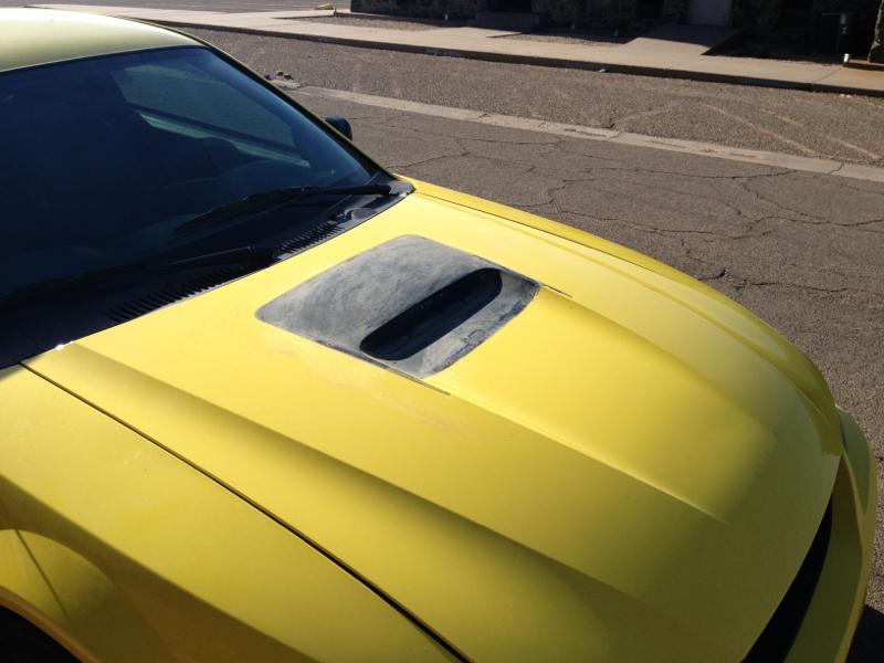 Functional hood scoop - Mustang Evolution