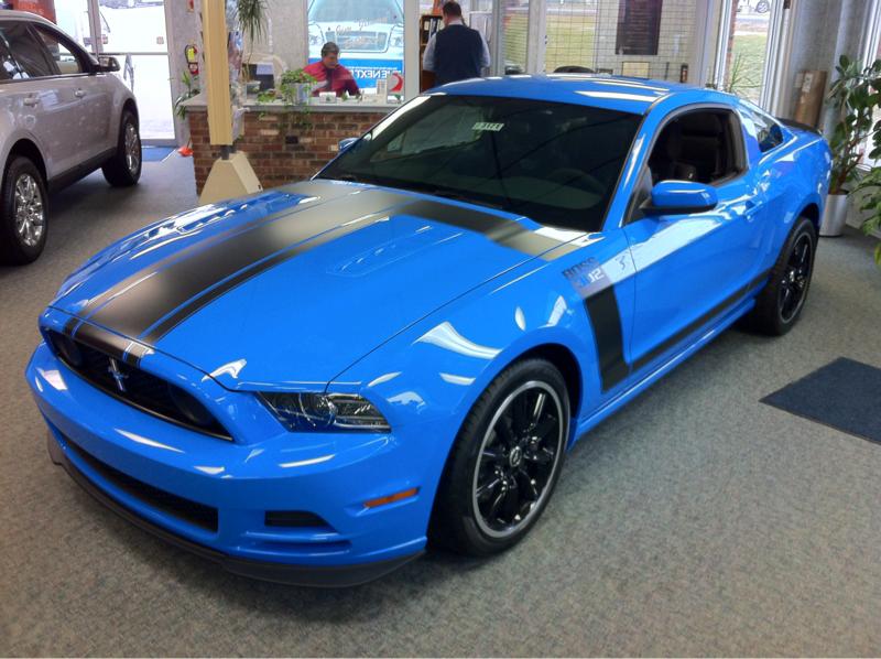 Grabber Blue black combo  Mustang Evolution