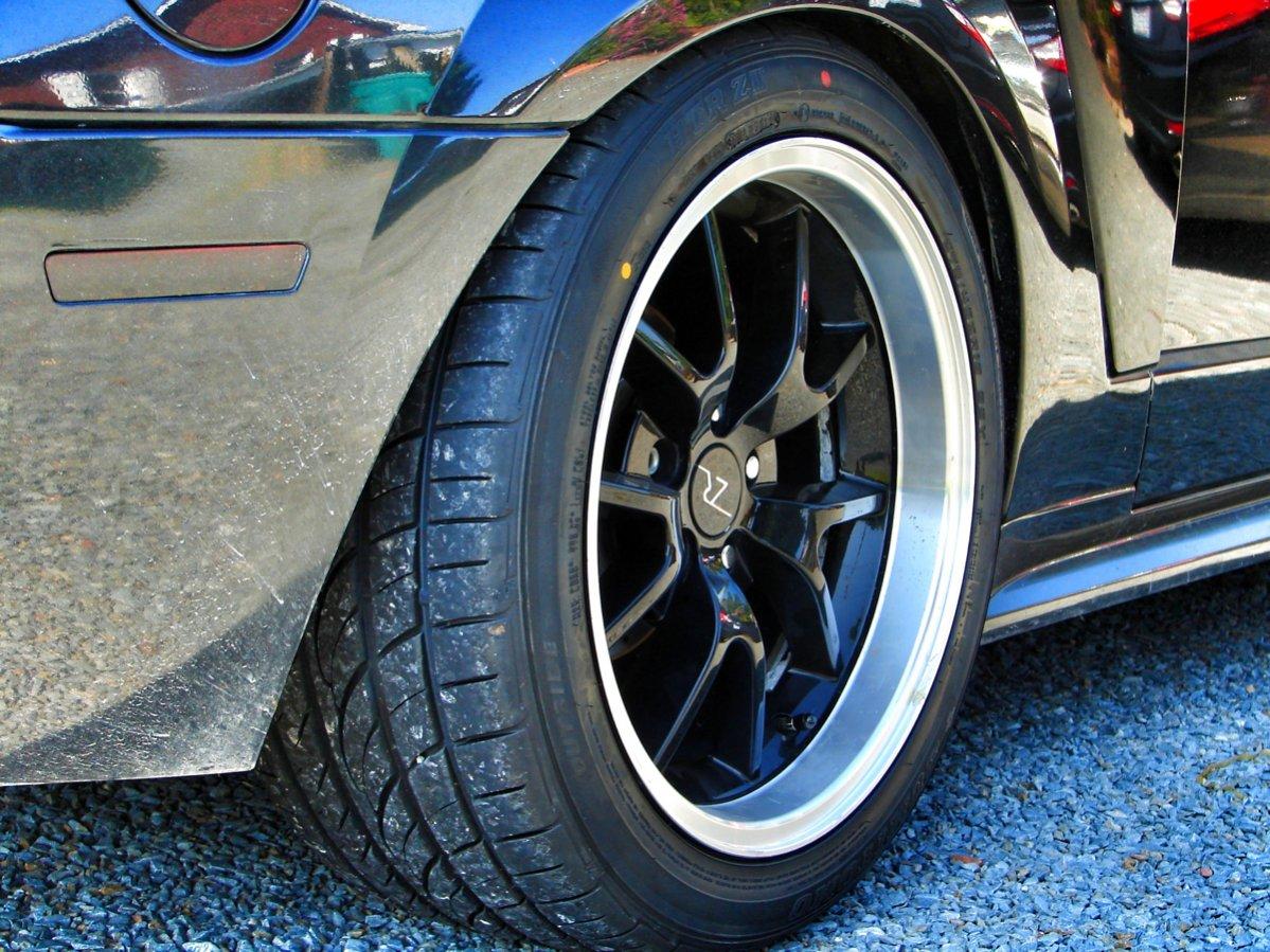 285 35 18 Sumitomo Htr Z Ii Mustang Evolution