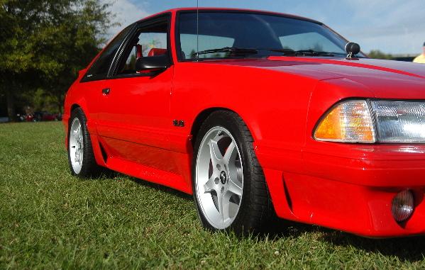 Click image for larger version  Name:Jim's Mustang  RF Quarter.JPG Views:257 Size:182.4 KB ID:19564