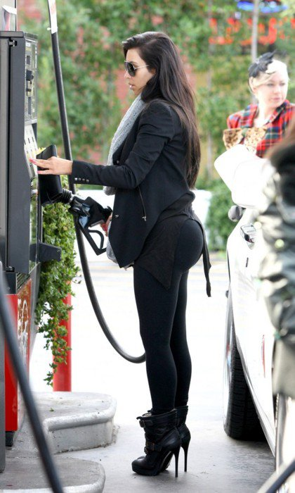 Click image for larger version  Name:Kim Kardashian.jpg Views:232 Size:69.4 KB ID:59137