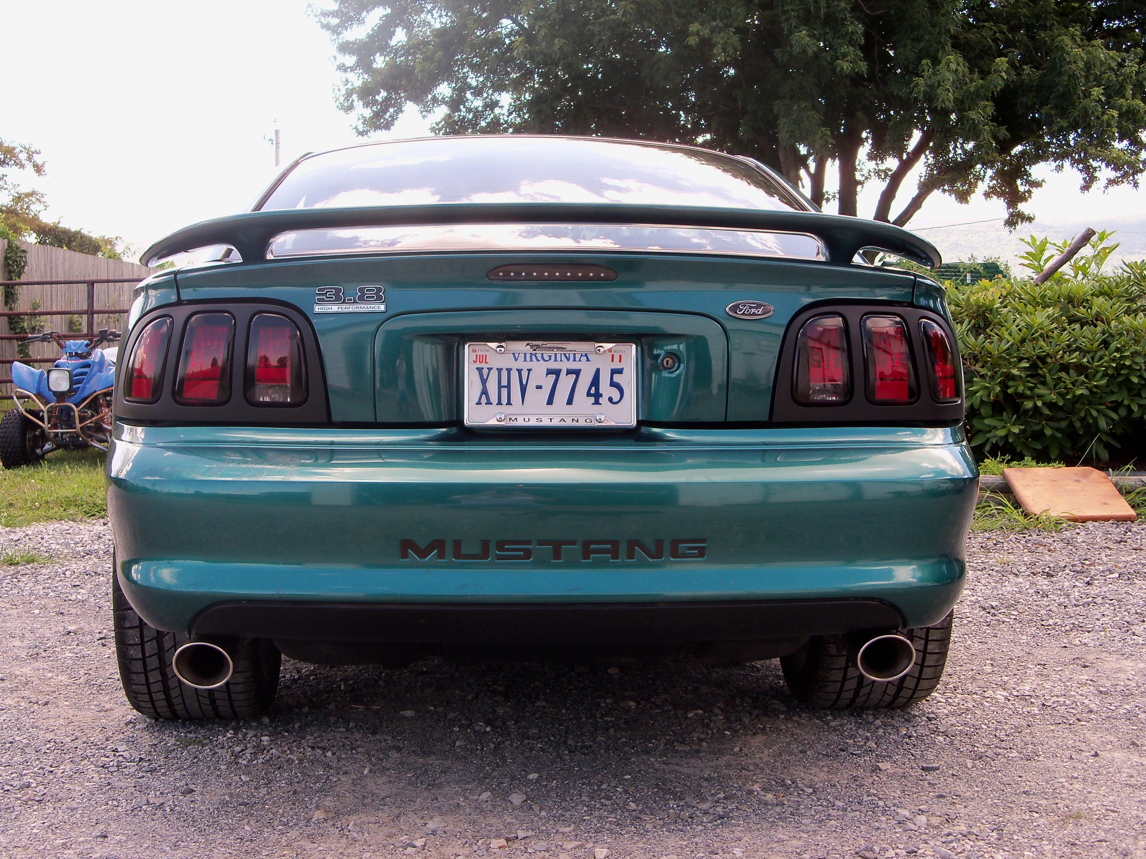 Click image for larger version  Name:Lowering Springs Install 003.jpg Views:133 Size:1.35 MB ID:29790