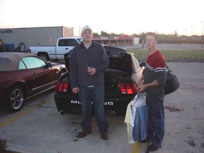 Click image for larger version  Name:me and ryan.jpg Views:76 Size:25.0 KB ID:793