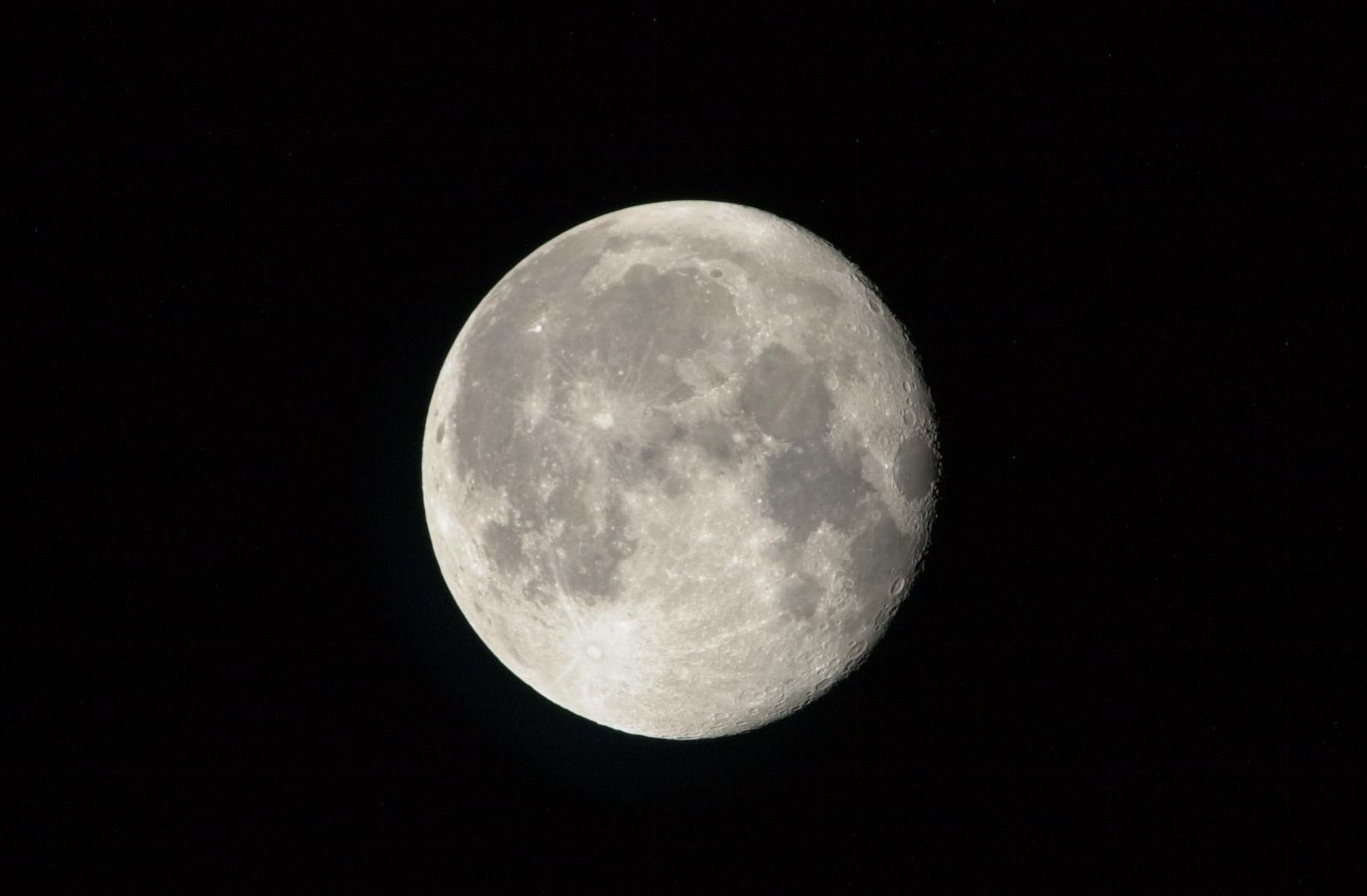 Click image for larger version  Name:Moon.jpg Views:132 Size:81.3 KB ID:3680