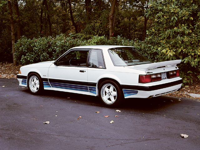 Click image for larger version  Name:mump_0402_04_z+ford_mustang_saleen_10_rarest_saleens+1988_coupe[1].jpg Views:1051 Size:108.6 KB ID:43269