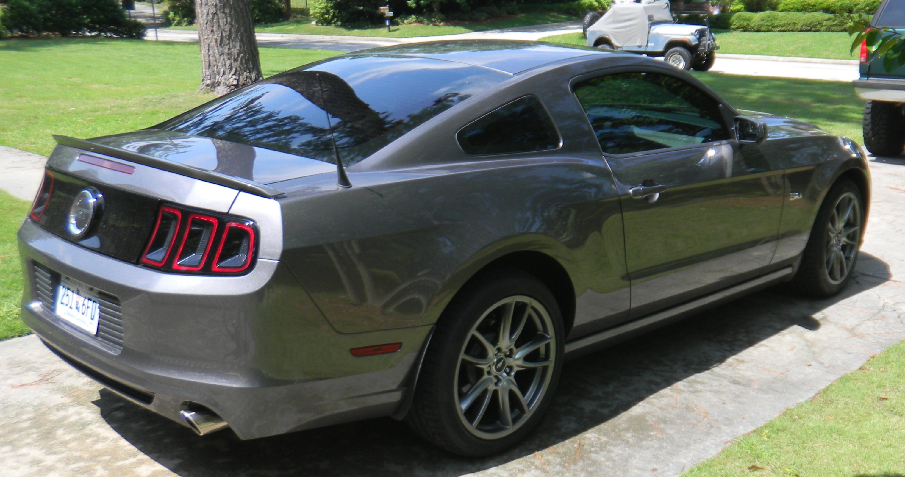 Click image for larger version  Name:mustang gt 006.JPG Views:1313 Size:757.7 KB ID:122110