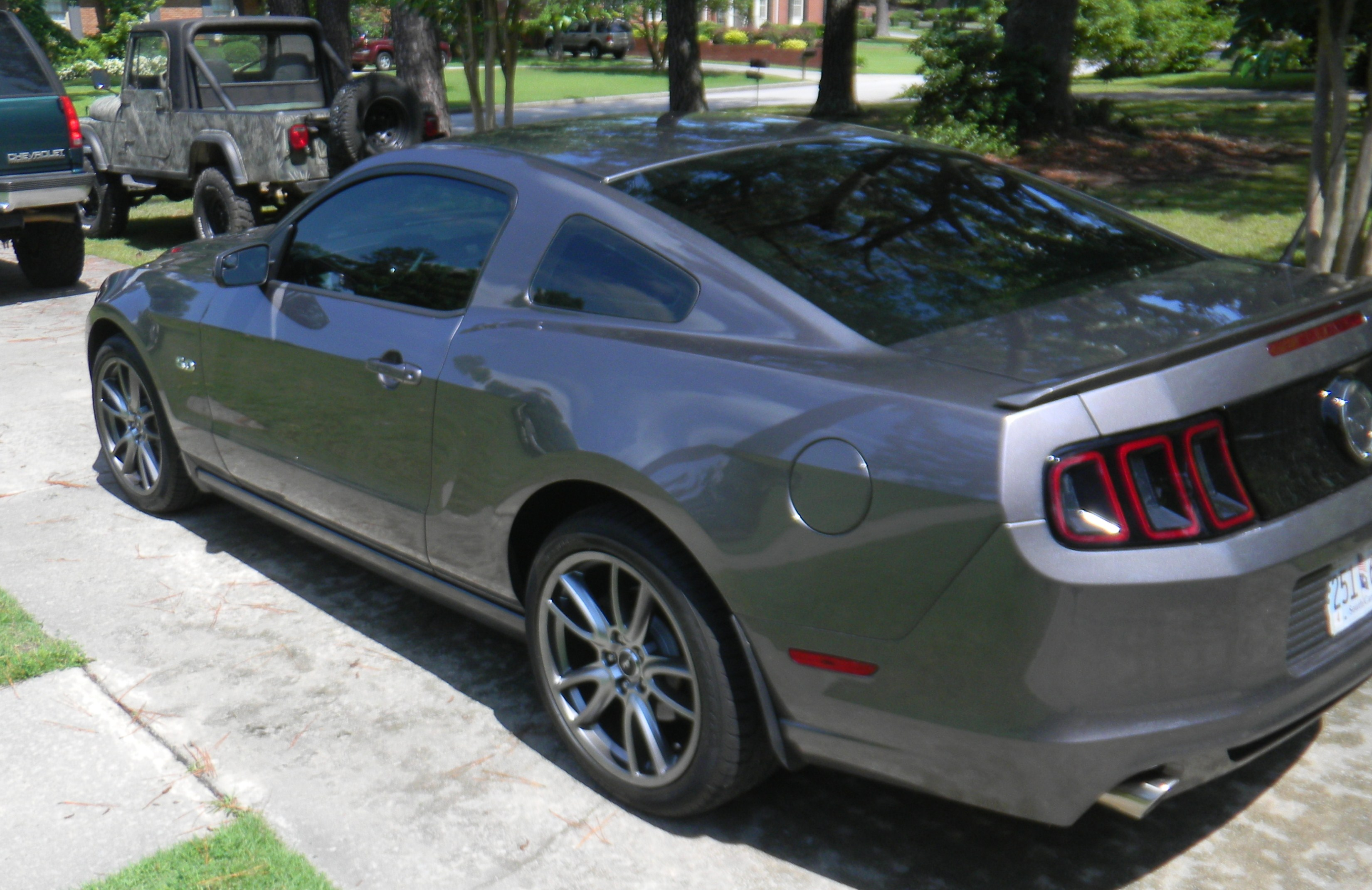 Click image for larger version  Name:mustang gt 007.JPG Views:1288 Size:949.2 KB ID:122111