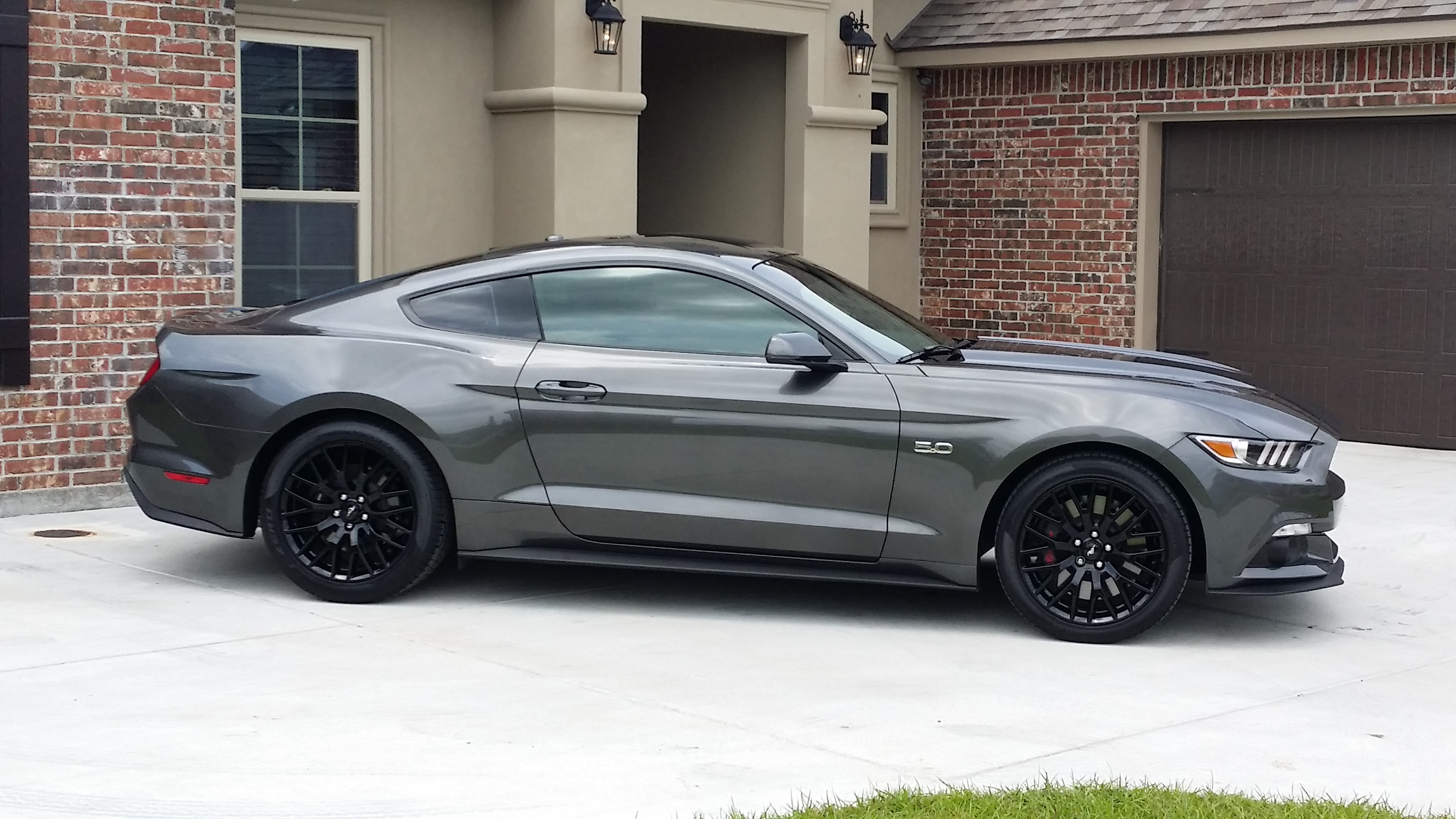 Click image for larger version  Name:mustang1.jpg Views:11034 Size:1.74 MB ID:183509