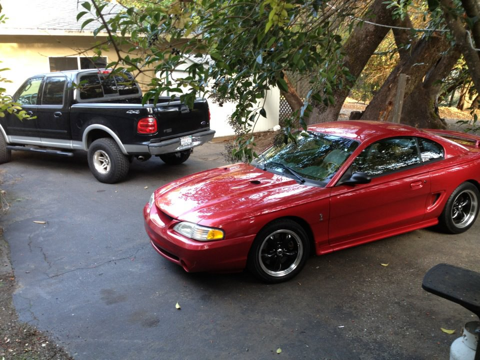 Click image for larger version  Name:two fords.jpg Views:196 Size:161.0 KB ID:35563