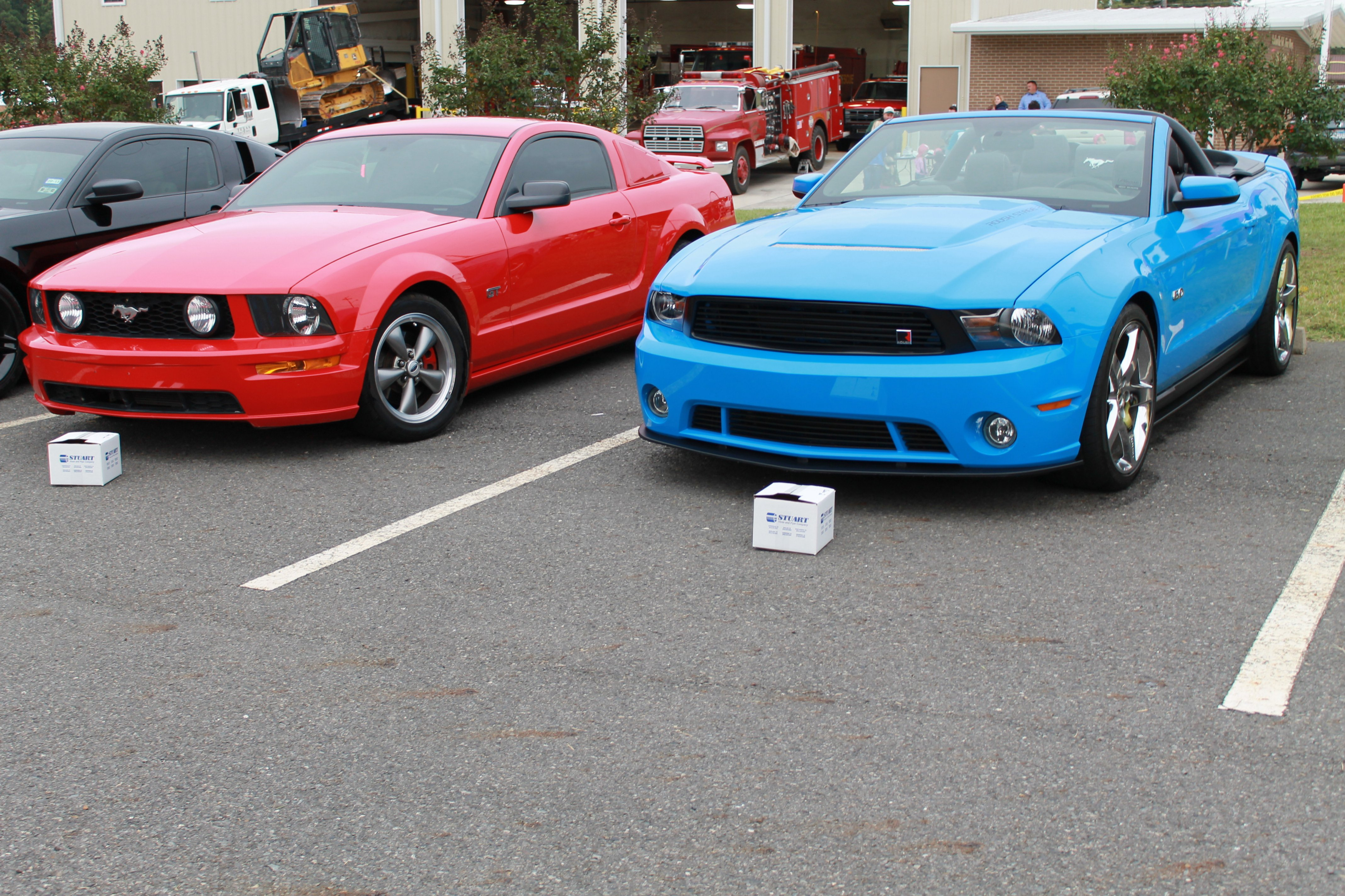 Click image for larger version  Name:western days car show 010.jpg Views:190 Size:1.80 MB ID:74076