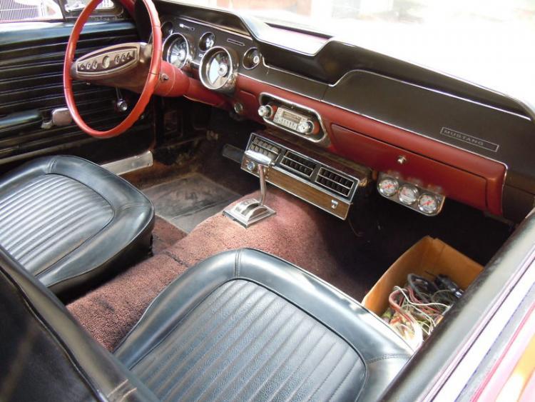 68 passengers side interior