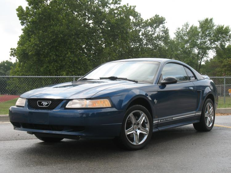 Mustang. 1.