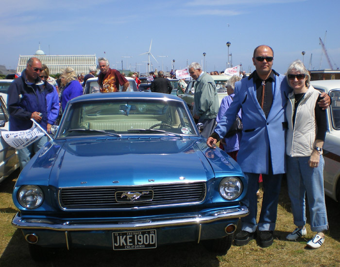 Mustang at the July 4th 2008 American Cruise in Lowestoft, England. Note the drape jacket!