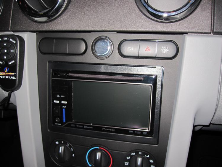 Pioneer AV Receiver w/iPod Control, DVD Playback & Bluetooth AVH-P3200BT