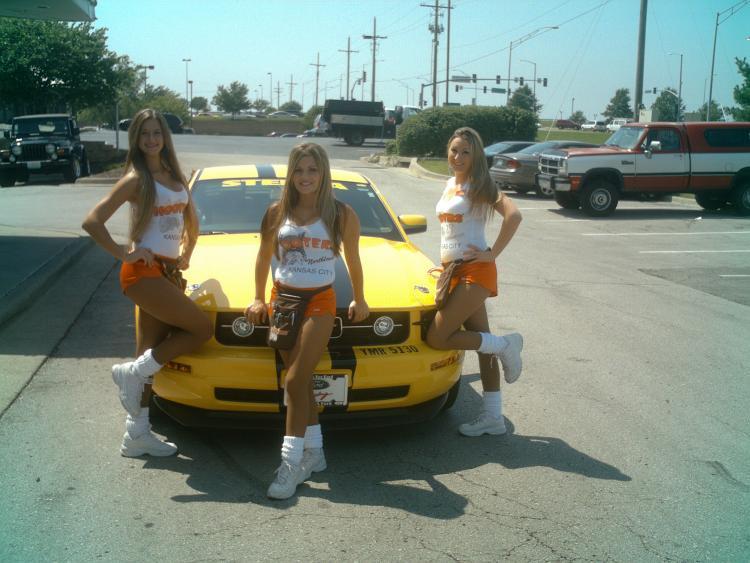 These three ladies like my 'stang